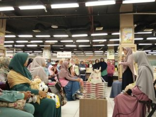 Meet and Greet with the Authors Salihah Mom's Diary-6
