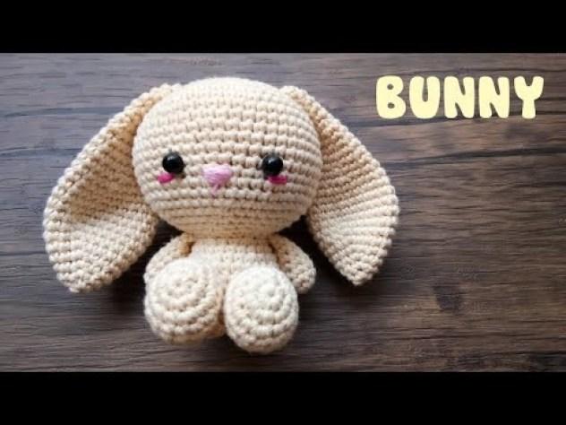 Tutorial on crochet Amigurumi Bunny