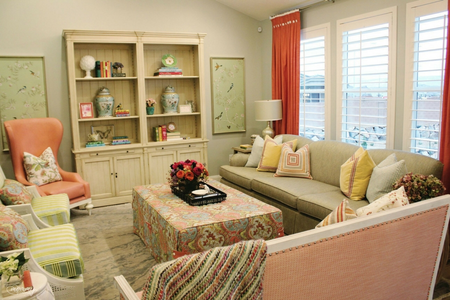 Feminine Living room. Parade of homes 2017 tour. Young mom's look at the st george parade of homes. 2017 Parade of homes.