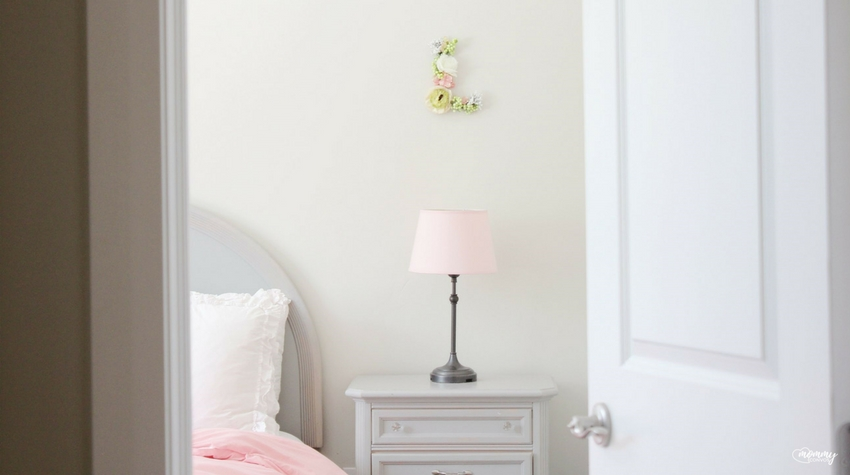 DIY Cheap Floral Letter: A Girls' Bedroom Convo