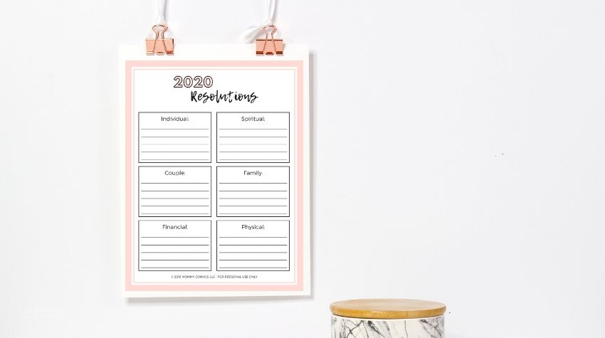 New year resolutions. New years goals. Free printables. 6 goals to make this year. Best goals to make this year. Personal goals. Mom goals. Goal printable for the new year.