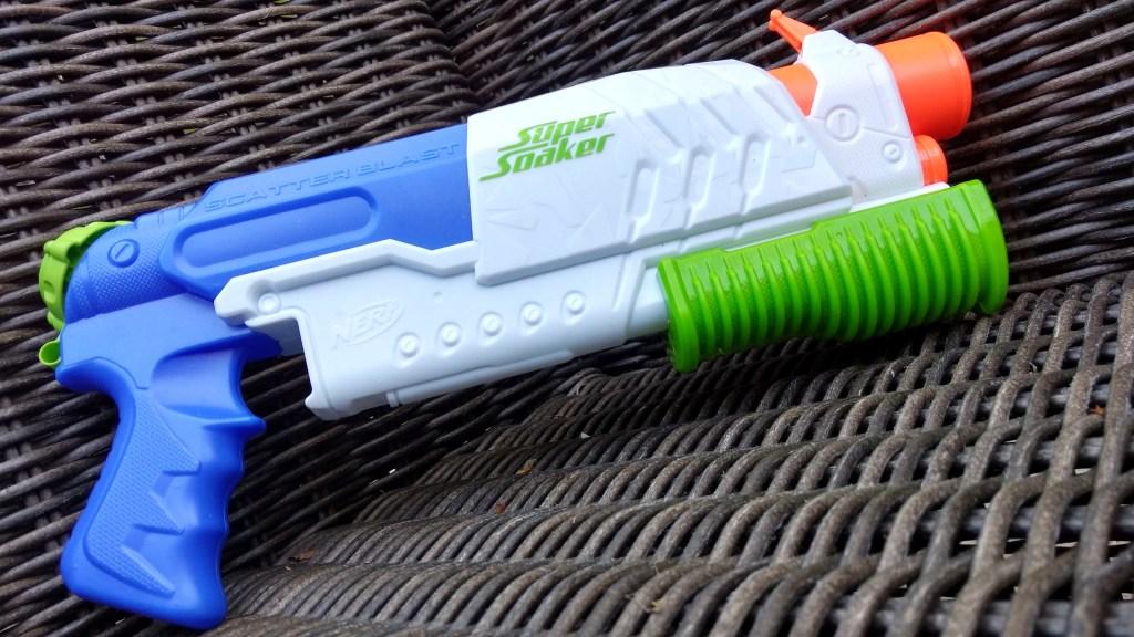 Super Soaker Scatter Blast water gun