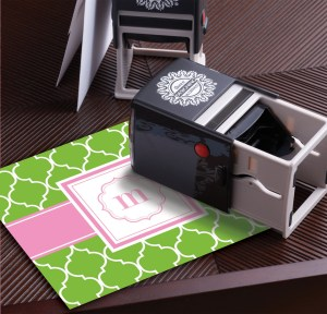 CH_StampWithCard_ScallopM Madison 3DW_Embosser_Seal The Best Impressions 1