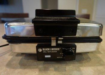 BLACK+DECKER G48TD 3-in-1 Waffle Maker 2