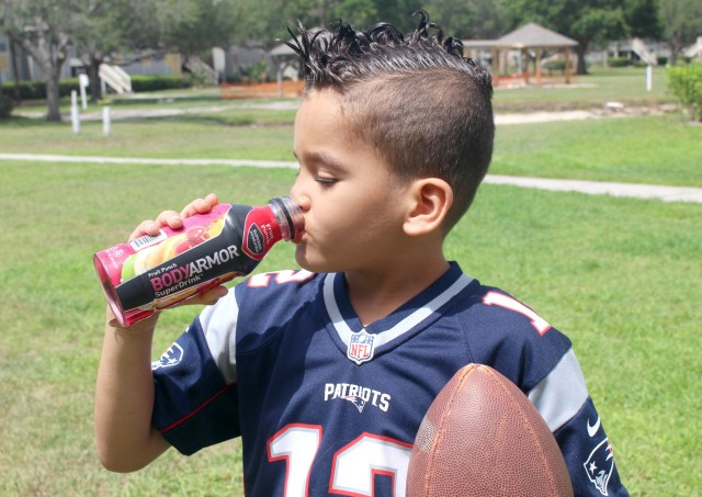 Sports-moms-must-haves-hydrating