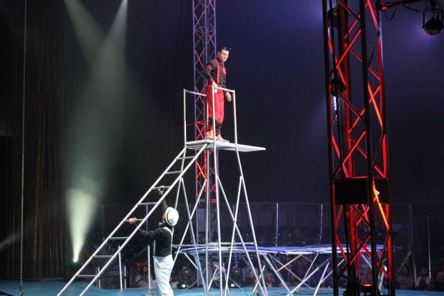 Cirque-italia-review-palmetto-florida-show-water-circus-clown