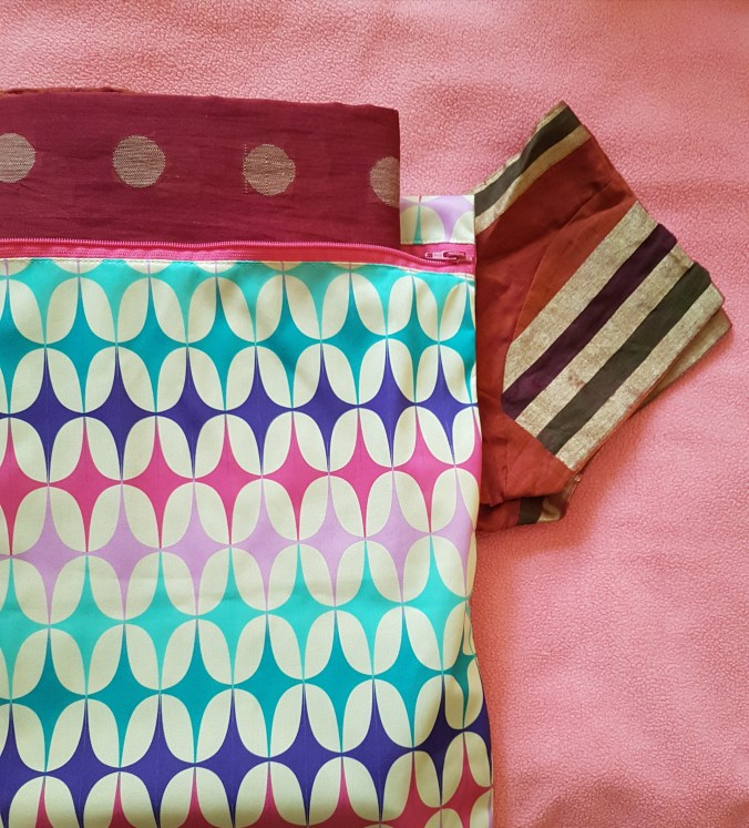 Superbottoms wet bags, wet bags, wetbags, diaper bag, whats in your diaper bag, cloth diaper bag, cloth diapering, cloth diapers india, new mom, mumbai mom