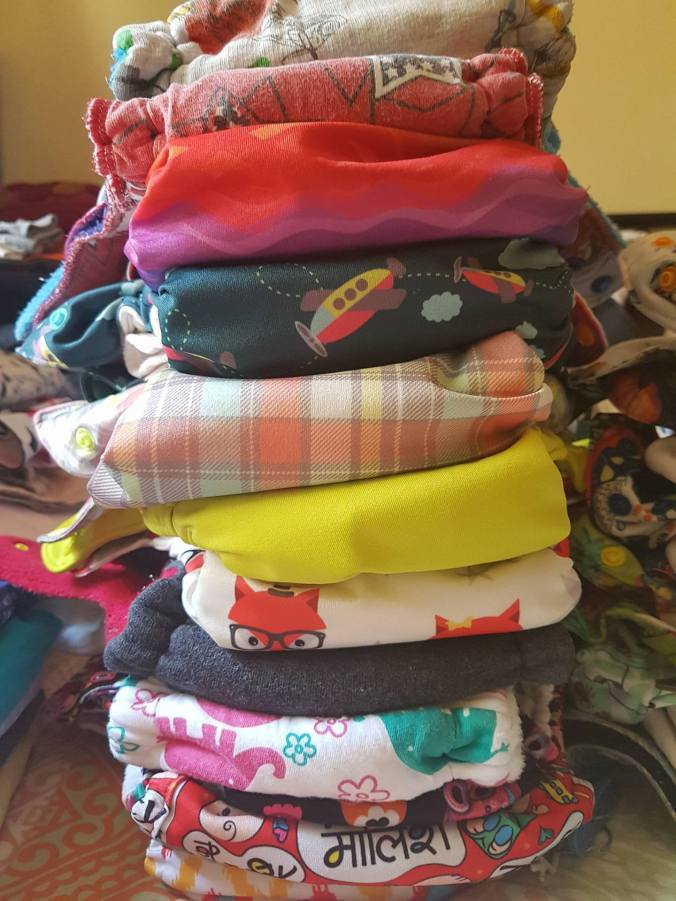 flats, flat diapers, flat nappies, square cloth, nappies, nappy cloth, modern cloth diapers, advanced cloth diapers, superbottoms, cloth diapering india, cloth diapers india, cloth diaper shops,, prefold diapers, burp cloths, prefolds, pocket diapers
