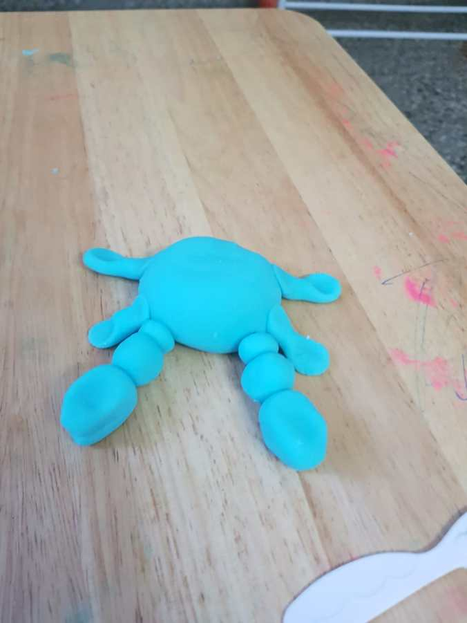Moana activity, playdough tray, playdoh tray, playdough crab, playdoh crab, tamatoa playdough, Moana playdough, blue crab, shiny crab, Moana activities, Moana fans, play ideas for Moana, Moana play ideas, Moana theme party, Moana themed cakes, Moana play, Moana, Disney's Moana, Moana blog, Moana inspired