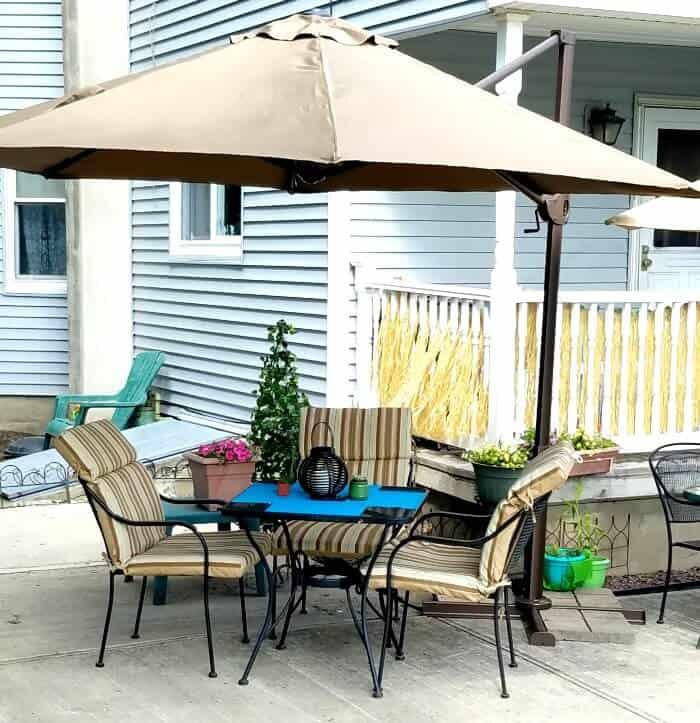 11 Ft Cantilever Umbrella For A Patio