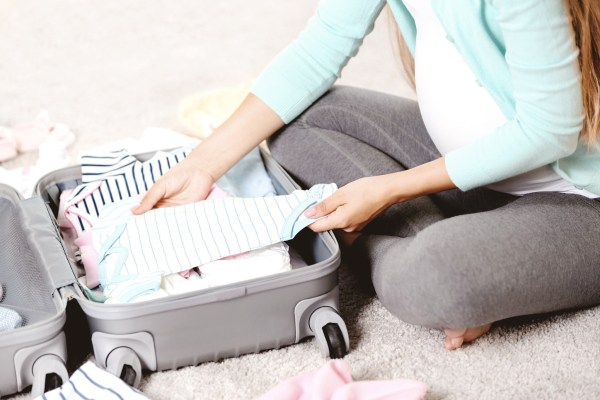 Hospital Bag Checklist: Everything you need for Mama, Dad, and Baby!