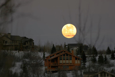 Did you noticed the BIG moon today? (February 20, 2011)