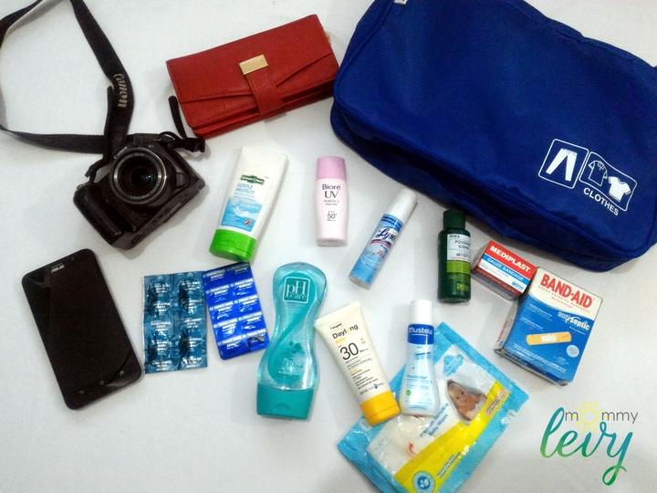 10 Family Travel Essentials