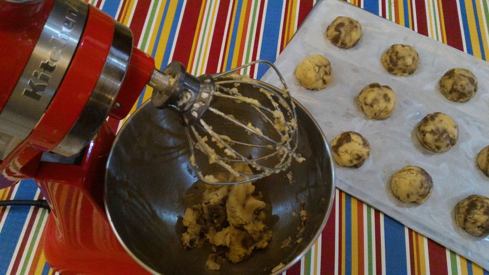 Easy to Bake Chocolate Chip Cookies for Baon