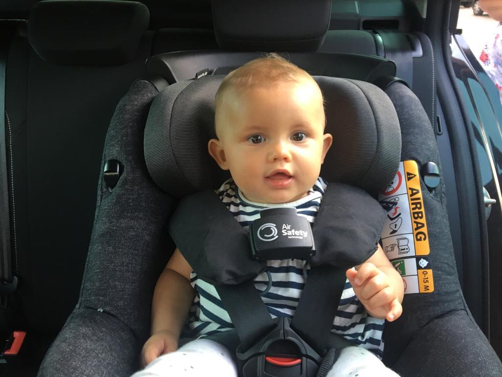 Neem je baby veilig mee in de auto met de Maxi-Cosi Axiss-Fix Air