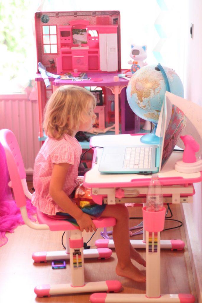 roze bureau