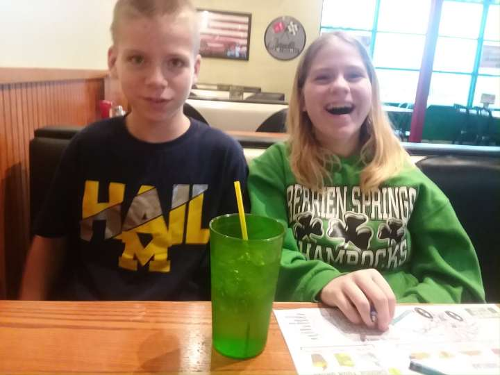 Quaker Steak and Lube Dinning