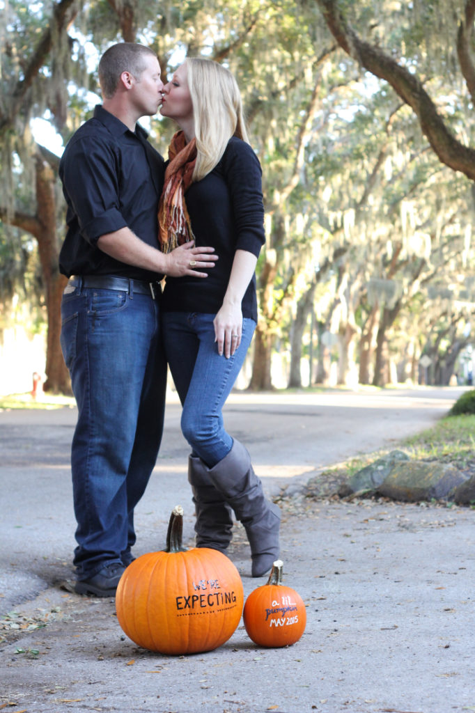Fall Pumpkin Pregnancy Announcement Photo Ideas