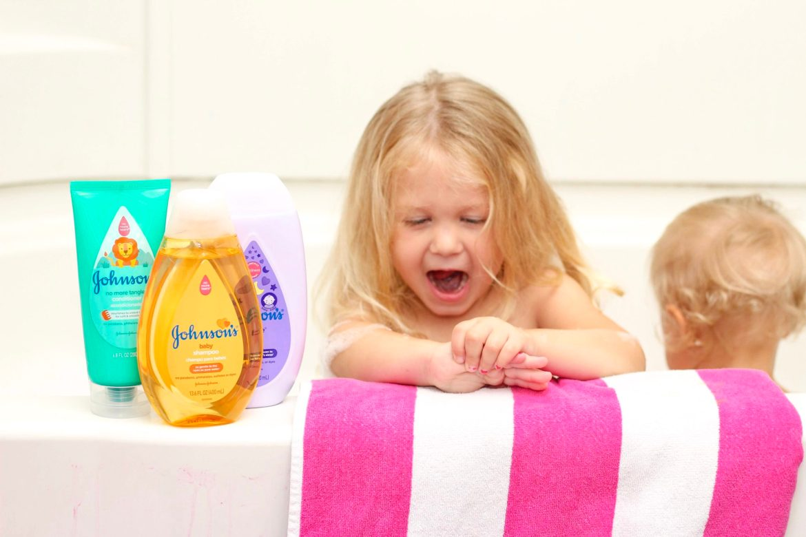 Tips for Bath Time with Two Little Kids