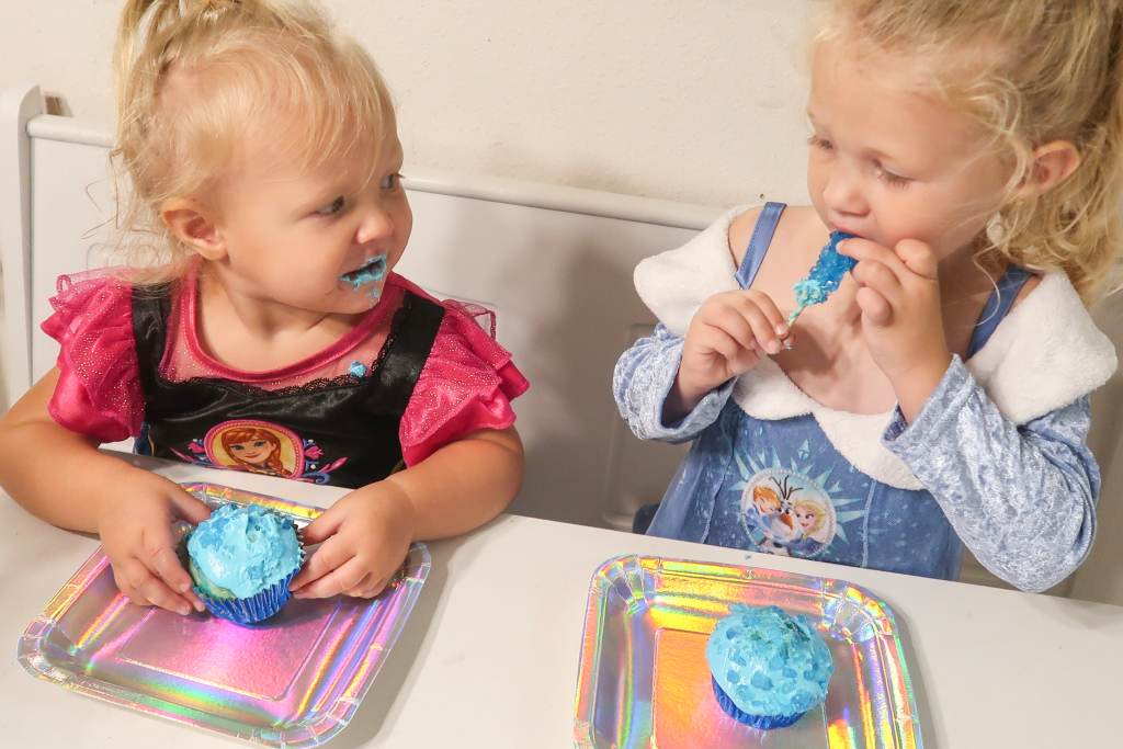 Kid approved Tesseract Cupcakes