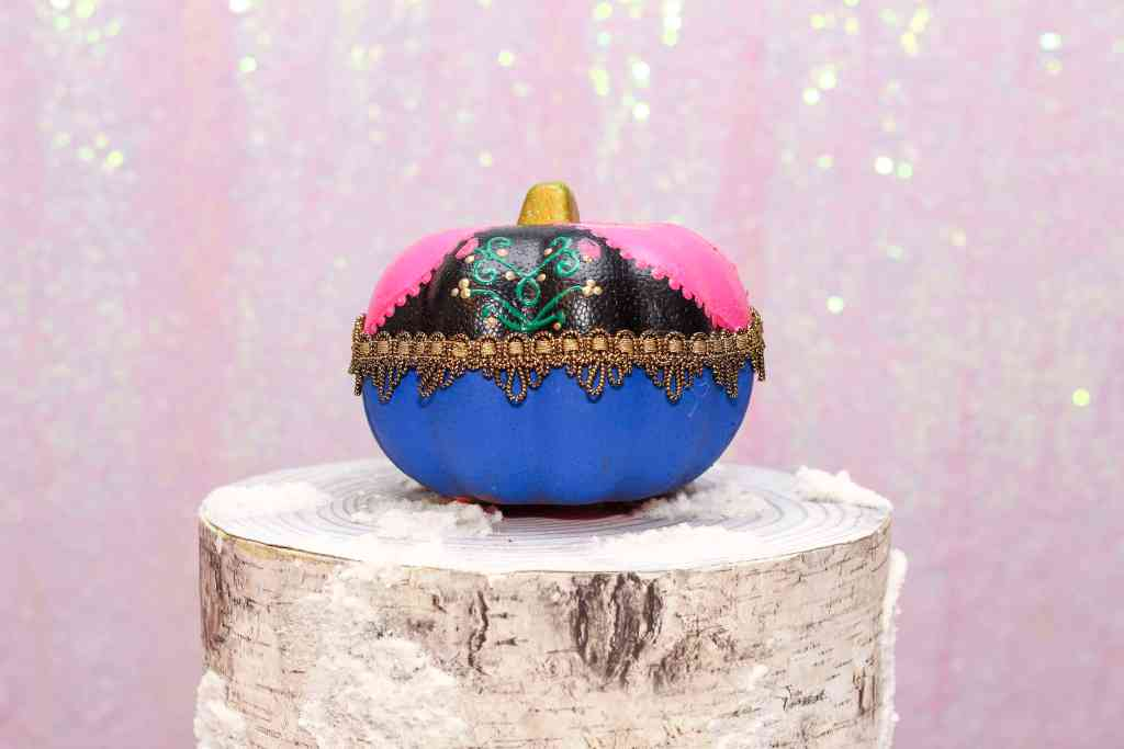 DIY Anna Painted Pumpkin