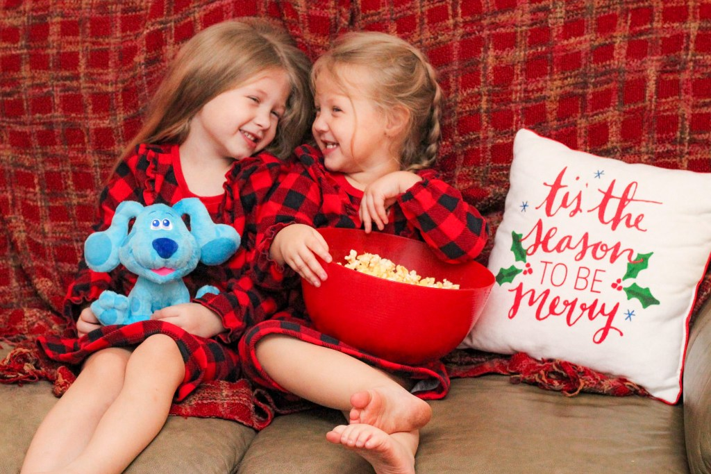 Christmas things to do with kids: Movie Night with Blue's Clues Holiday Special