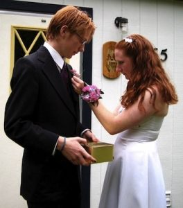 how to help your teen prepare for prom