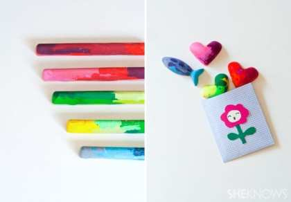 Fun DIY: Old Crayons, New Craft https://mommysmemorandum.com/fun-diy-crayons-craft-tutorial/