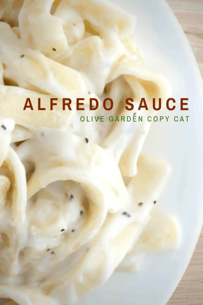 This copy cat Olive Garden Alfredo Sauce Recipe is a copycat that can be prepared in minutes and bring the restaurant flavors to your own kitchen!