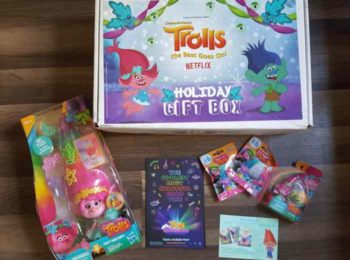 DreamWorks Trolls: The Beat Goes On! Season 4 Holiday Gifts