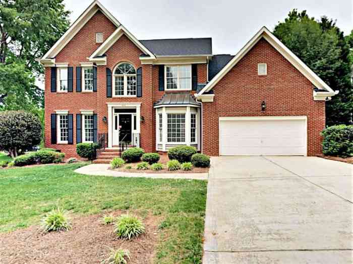 8920-Leinster-Dr.-Charlotte-NC-Front buying your dream home in charlotte, nc