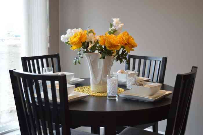 5 Motives to Choosing Dining Tables at Urban Ladder