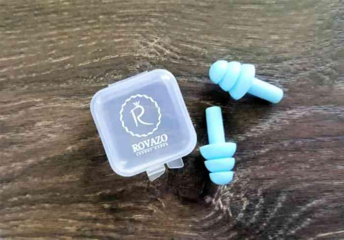 hellomd april box rovazo silicone ear plugs (1)