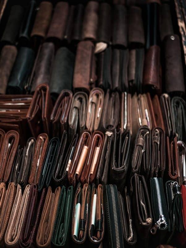 choosing a trifold wallet