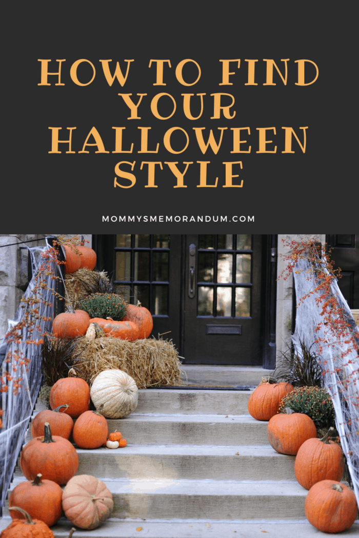 house steps lined with gourds for halloween style