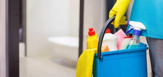 you can keep your home tidy without spending a lot of money by following these cleaning tricks that will make your house sparkle.