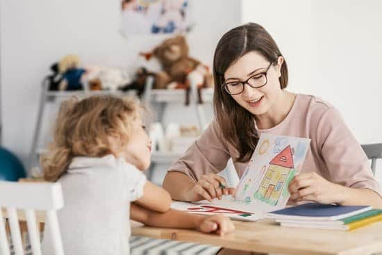 With more people working from home than ever before, there are no shortages of freelance jobs and the sites to find them. #Part-TimeJobs #Parttimejobs #mom #stayathomemom #work #family