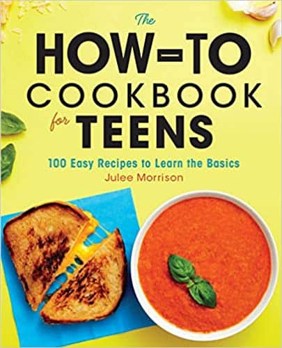 The How-To Cookbook for Teens. 100 recipes to become a self-made cooking superstar Fire up your curiosity to try new foods and impress your family and friends.The How-To Cookbook for Teenswill help you learn the basics of cooking and baking, while having fun creating incredible meals (and memories) from scratch. The recipes in this cookbook for teens begin with the fundamentals, then take your skills to the next level. Start with perfect scrambled eggs, and then work your way up to fancy egg dishes like omelets and Cheesy Breakfast Bacon Muffins. There's nothing like eating and sharing food you made yourself. The How-To Cookbook for Teensfeatures: All the skills you need—Learn how to set up your workspace, accurately measure ingredients, use proper knife skills, and more. Pro tips—Find tricks to help avoid common cooking mistakes, and hacks for customizing recipes to make them just how you like them. Something for every taste—Try out recipes that are extra fast, nut-free, gluten-free, dairy-free, vegetarian, and vegan. Prepare to have a kitchen of your very own withThe How-To Cookbook for Teens.