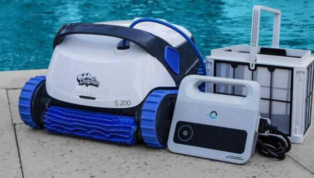 dolphin-s200-robotic-pool-cleaner on pool patio