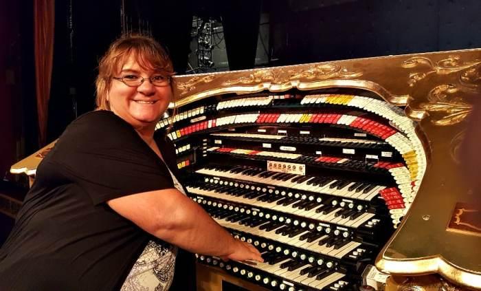 Julee Morrison with El Capitan Theatre's Ethel organ