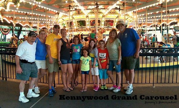 Kennywood Grand Carousel is a gathering place #KWFAmilyFun