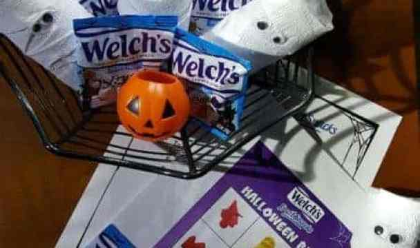 Paper Roll Mummy Craft for Trick-Or-Treat Fun + Welch's BINGO
