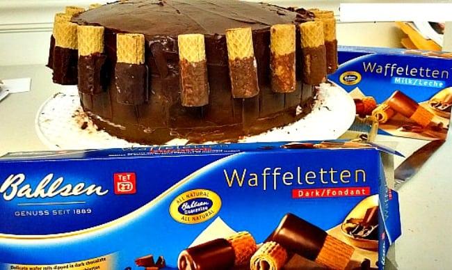 adding-the-bahlsen-waffeletten-cookies
