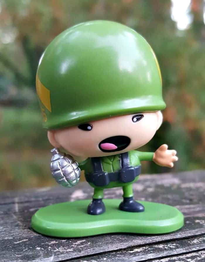 awesome little green men grenade soldier