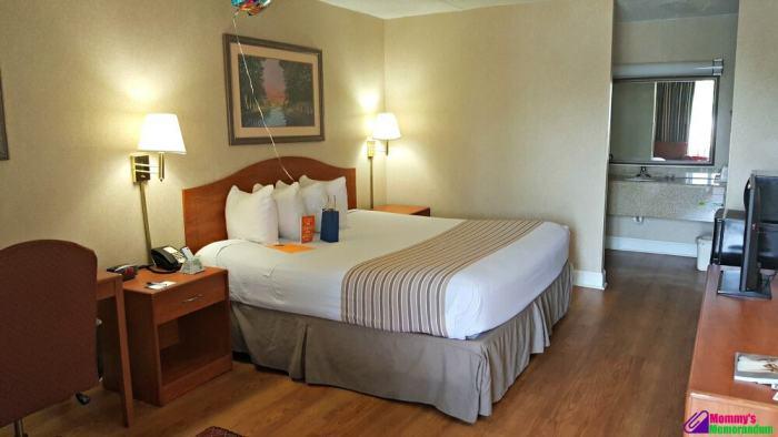 centerstone inn queen size bed