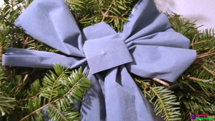 hilltop-christmas-tree-wreath-with-blue-bow