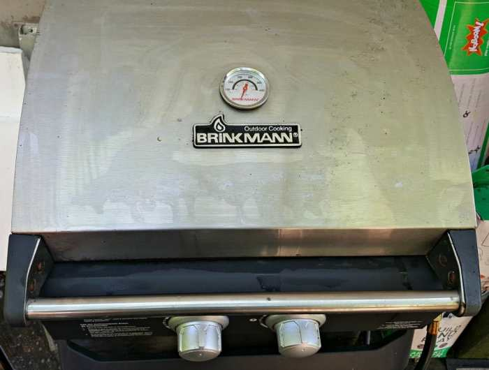 mean green auto and garage grill after with lid closed