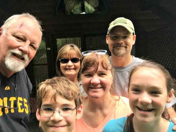new river gorge cabins family picture