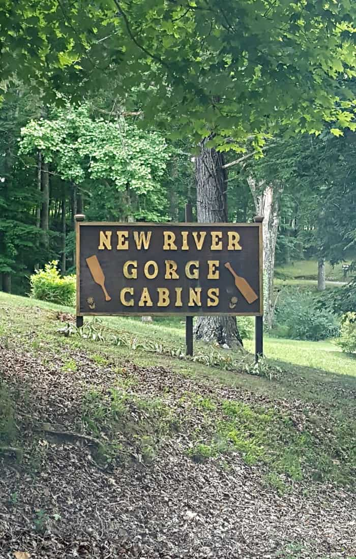 new river gorge cabins sign