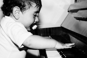 5 Benefits of Piano Lessons for Your Kids